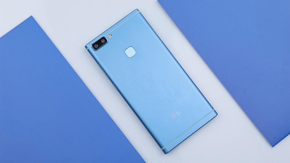 EL K20 Smartphone